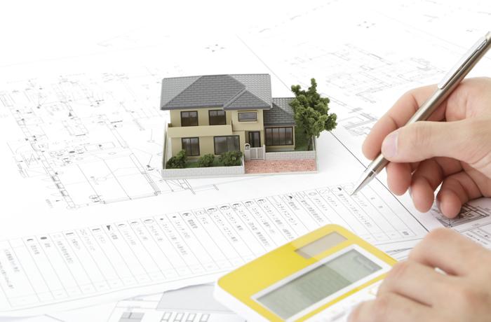 設計書と家の模型